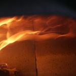 ピザを焼く炎